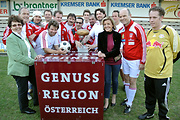 Das Gastro-Team mit Margareta Reichsthaler und Ulrike Haunschmid vom Verein Tourismus ohne Grenzen