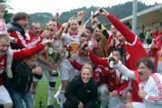 Jubelstimmung beim Österreichischen Team (Foto: Tirol Werbung/Steinacher&Maier PR)